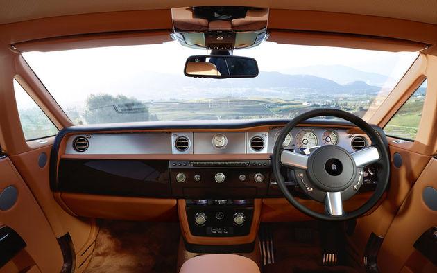 2012-rolls-royce-phantom-coupe-interior-dashboard_medium