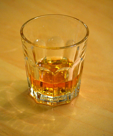 398px-whiskyhogmanay2010_medium