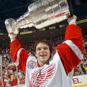 2002-red-wings-e1273696994272-300x300_medium