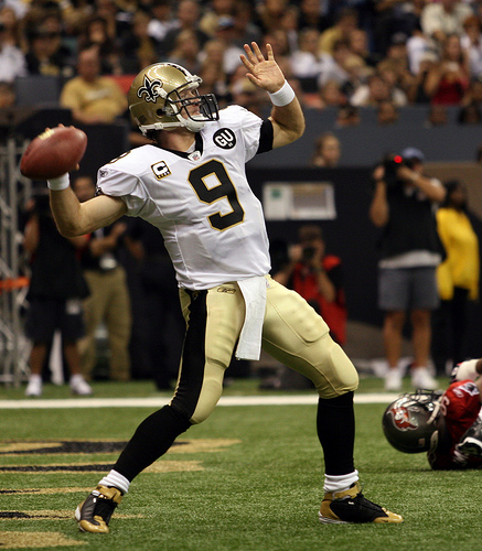 Drew-brees-throwing-1_medium