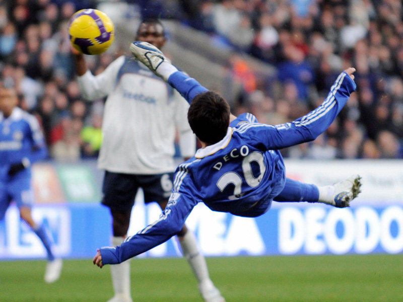 Bolton-v-Chelsea-Deco-bicycle-kick-goal_1587338