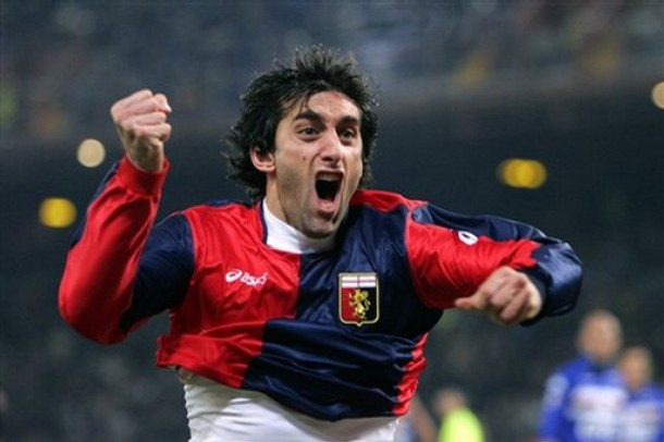 Milito - Dangerous in front of goal