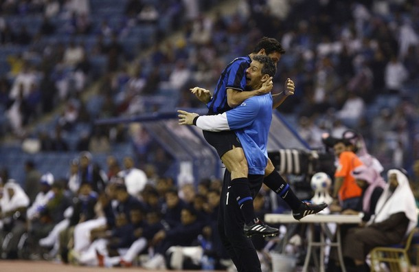 Zanetti and Toldo after the friendly against Al Hilal