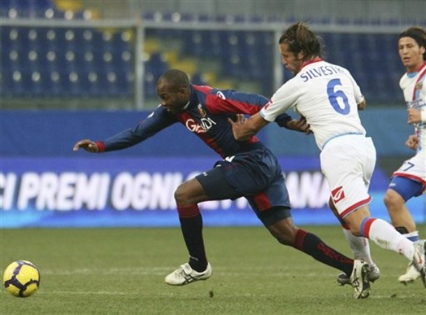 Suazo at Genoa