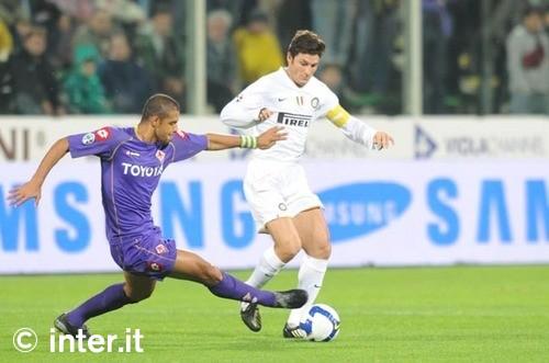 Zanetti against Fiorentina