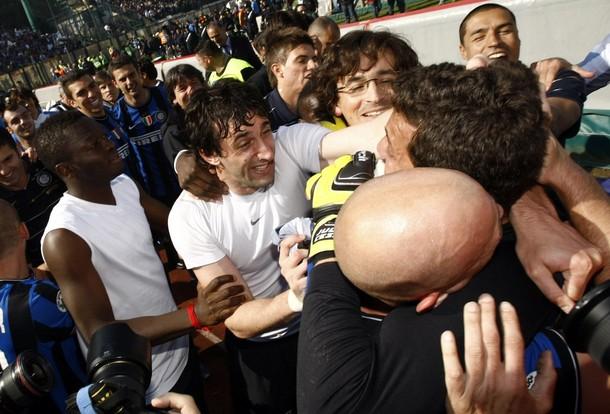 GROUP HUG! Let the manlove begin