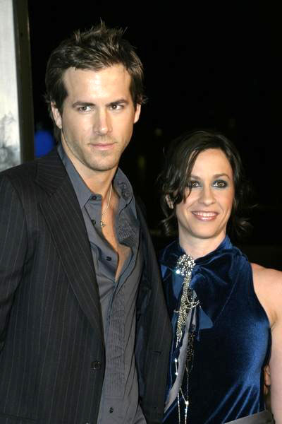 Ryan_reynolds_alanis_morissette_medium