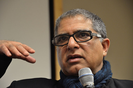 800px-deepak_chopra_mspac_medium