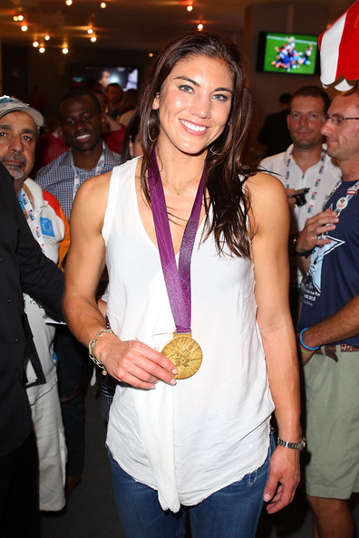 Hope_solo_olympic_athlete_medalists_visit_r-msven4faul_medium