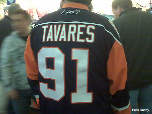 Tavares-jersey_foul