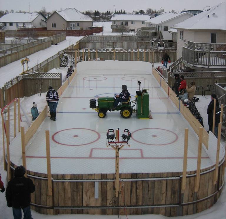 Ultimate Backyard Rink : The ultimate Oilers backyard rink  From The Rink