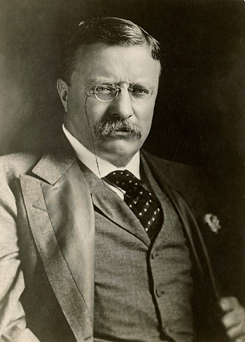 Roosevelt_portrait_photo_02_medium