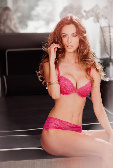 Ariadne-artiles-yamamay-lingerie-2_medium