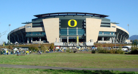 800px-102707-oregon-autzenstadium-ext_medium