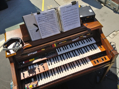 17-organ-overhead_medium