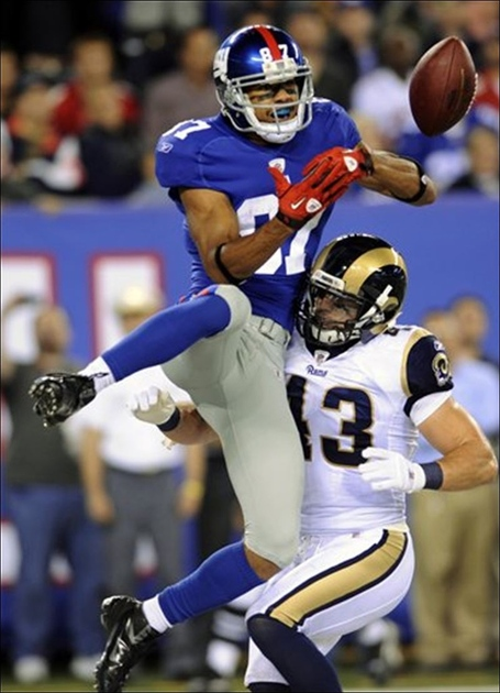 Domenik-hixon-giants-defended-by-rams-craig-dahl_medium