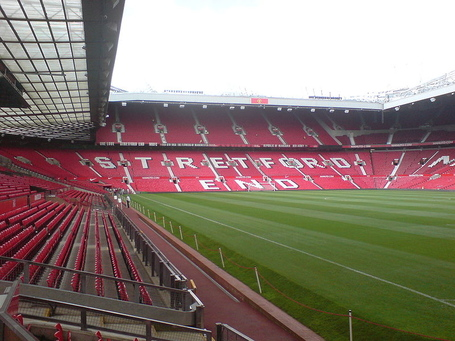 800px-stretford_end_medium
