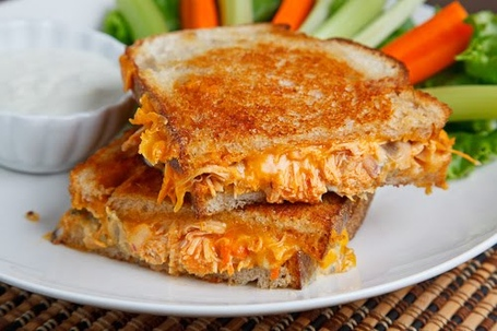 Buffalo_2bchicken_2bgrilled_2bcheese_2bsandwich_2b500_2b4983_medium