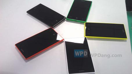 Lumia-830-2_medium