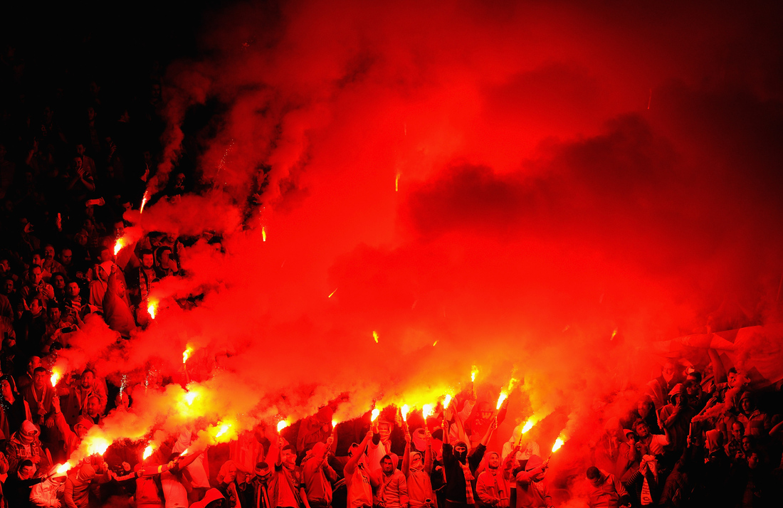 Galatasaray fans provide devilish welcome for Manchester United