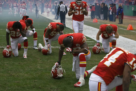 Chiefs_nfl_football_prayer-2_medium