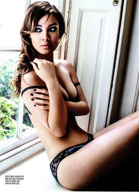 Berenice-marlohe-in-fhm-magazine-december-2012-issue-1_medium
