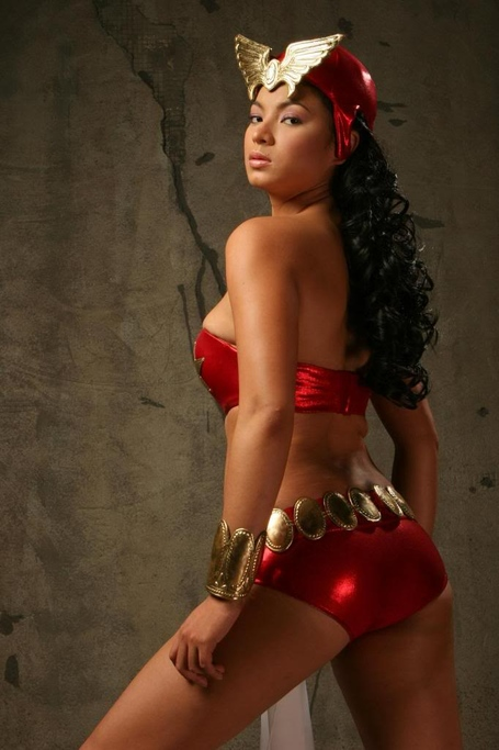 Angel-locsin-as-darna1_medium