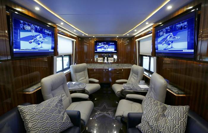Jerry Jones Bus Is As Luxurious As You Expected