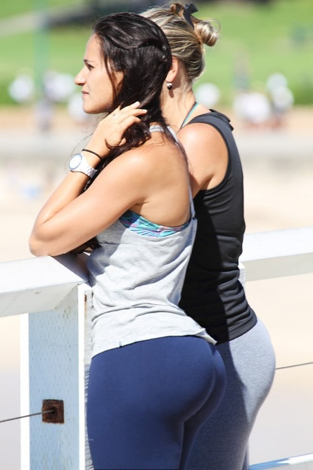 Big-booty-in-yoga-pants-1-500x750_medium