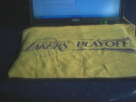 Lakerplayofftowel_medium