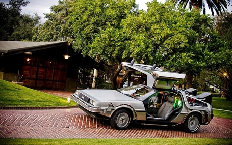 Cars-delorean_00371252_medium