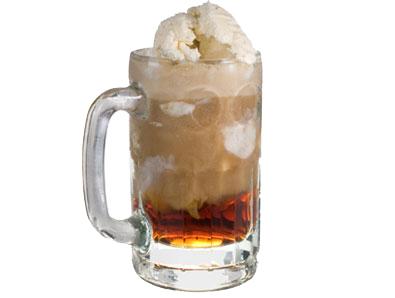 Root_beer_float2_medium