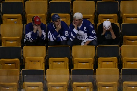 Toronto_maple_leafs_fans