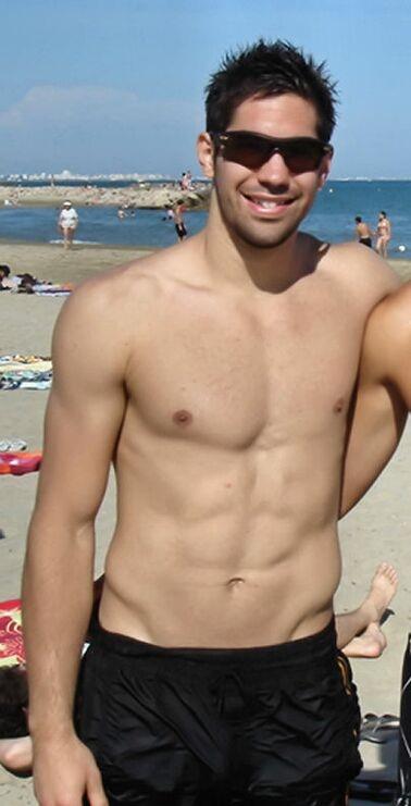 Handballer-nikola-karabatic-shirtless-8_medium