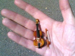 Worlds-smallest-violin_medium