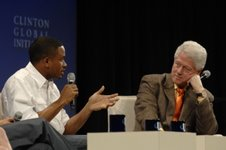 Asomugha_and_president_clinton_medium