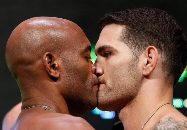 Method_get_rs_80_q_75_x_62_y_5_w_661_h_461_ro_0_s_chris-weidman-anderson-silva-07-05-13-23-13-30-429_medium