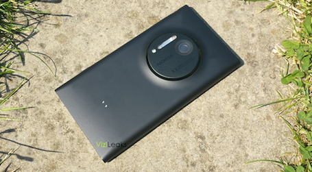 Nokia-lumia-1020-eos1_medium