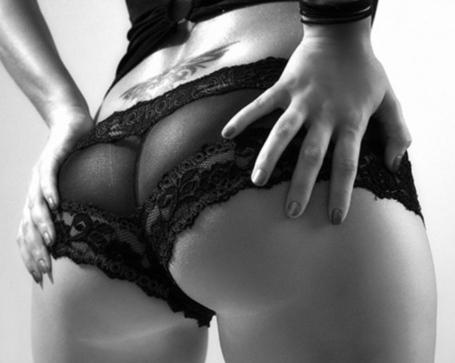 Ass-black-and-white-girl-hands-hot-favim