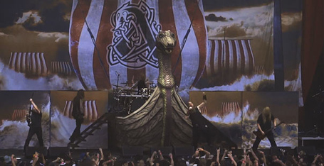 Amon-amarth-viking-ship_medium