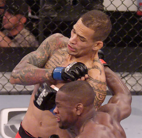 Yancy-medeiros-knockout-yves-edwards-ufc-fftt-3_medium