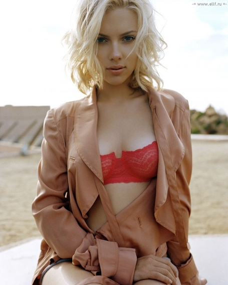 Scarlett-johansson-e1349722936724_medium