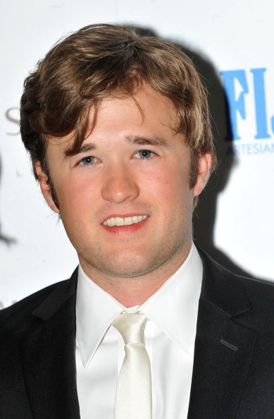 Haley_joel_osment_fitflop_shooting_stars_benefit_eozd1g8nbktl