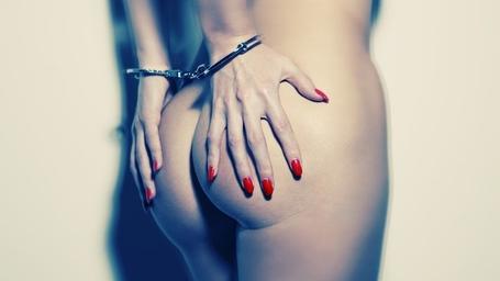 Handcuff_sexy__www