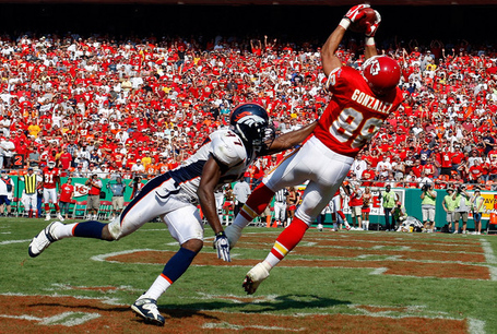Tony_gonzalez_denver_broncos_v_kansas_city_bw6hmibt1hjl_medium
