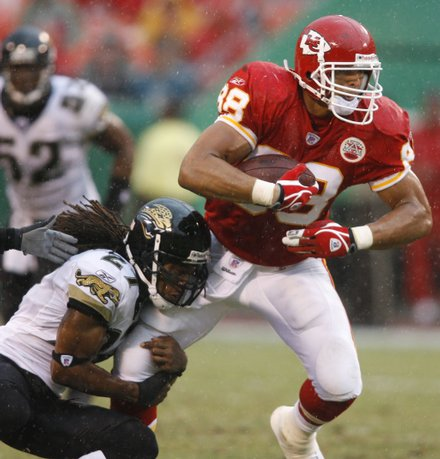 Jaguars_chiefs_gonzalez_bw_t440_medium