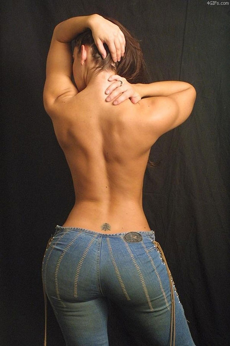 Nice_curves_naked_babes_nice_jeans_medium