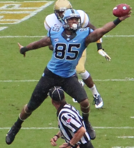 Eric_ebron_2013_medium