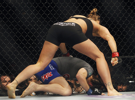 Web1_mma-ufc170_022214jb_04_0_medium
