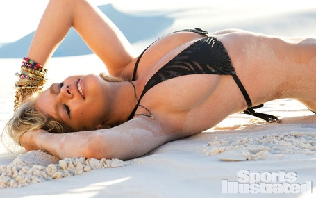 Valerie-van-der-graaf-for-sports-illustrated-swimsuit-edition-2014a_medium